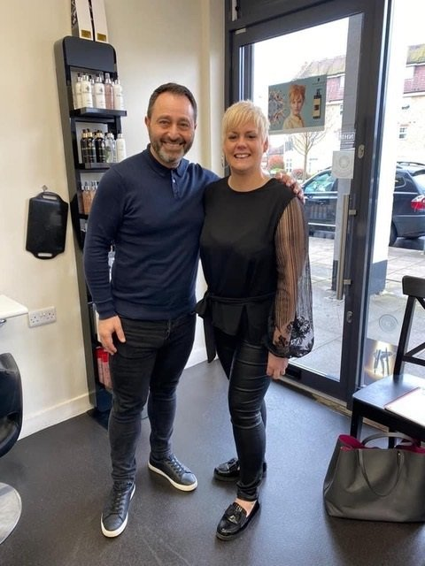 HELPING-PEOPLE-WITH-CANCER-HAIR-LOSS-AT-HAIR-REBORN